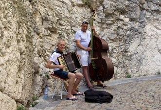 Avignon Musicians, Avignon